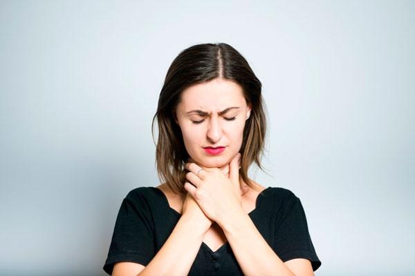 Причины и лечение покраснения горла