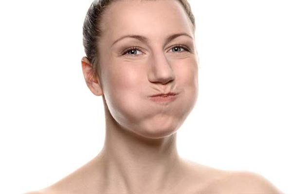 Какие растворы для полоскания горла существуют